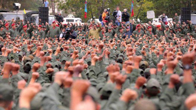 O ditador venezuelano Nicolás Maduro fala com membros das Forças Armadas em 30 de janeiro de 2019. Foto: Reprodução Twitter