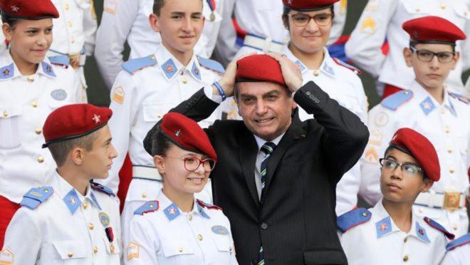 Presidente Jair Bolsonaro participa de evento alusivo ao Dia do Exército. Congresso. Foto: Sergio Lima/AFP