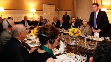 Presidente da República Jair Bolsonaro durante jantar com formadores de opinião, em Washington (EUA).