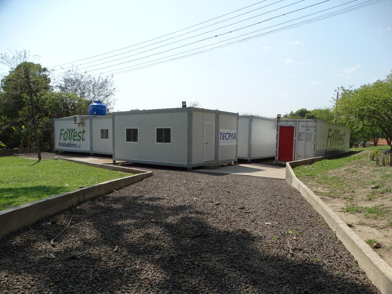 Laboratório móvel de monitoramento instalado em Jacarezinho. Foto: Divulgação/Forrest Innovations