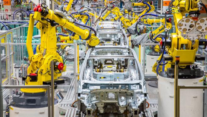 Fábrica da Volkswagen, em São José dos Pinhais, retomou segundo turno e deve aquecer indústria do estado. Foto: divulgação