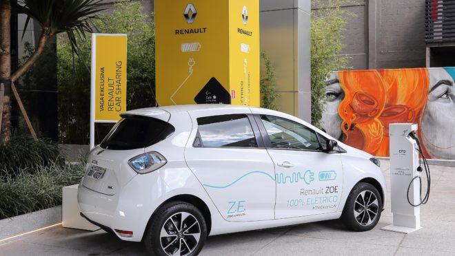 O Cubo Itaú ganhou a companhia do Renault Zoe e sua estação de recarga. Foto: Renault/ Divulgação