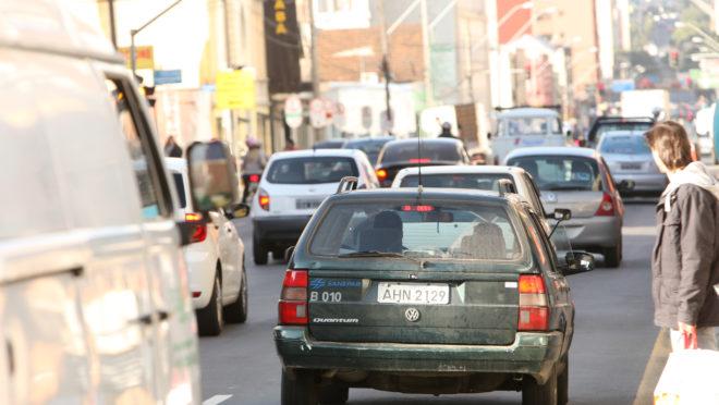 carro-velho-ruas-curitiba