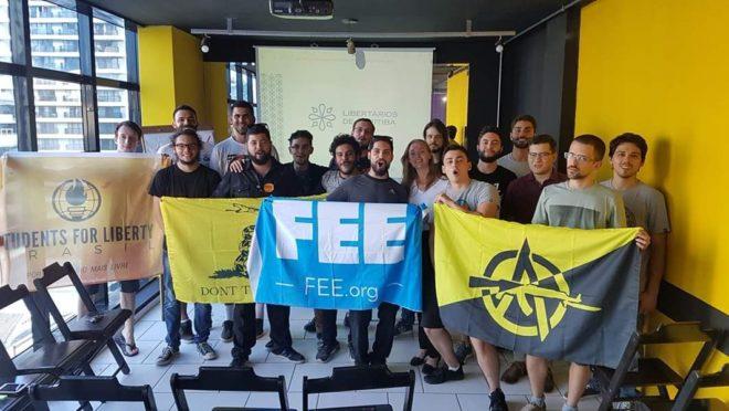 Estudantes de direita da UFPR Livre. Foto: Arquivo pessoal.