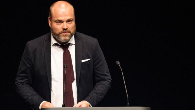 Esta imagem de 21 de agosto de 2017 mostra Anders Holch Povlsen durante evento em Aarhus, Dinamarca. (Foto de Tariq Mikkel Khan / Ritzau Scanpix / AFP)
