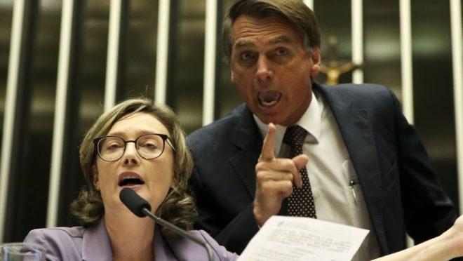 A imagem mostra Jair Bolsonaro e Maria do Rosário discutindo na Câmara dos Deputados. A imagem é de Marcelo Camargo, da Agência Brasil.