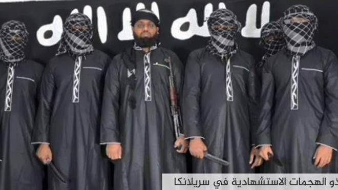 Imagem de um vídeo divulgado pela agência de propaganda do Estado Islâmicomostra homens que supostamente realizaram uma série de explosões suicidas no domingo de Páscoa no Sri Lanka | Foto: AMAQ/AFP