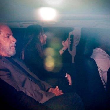 Ex-presidente Lula é conduzido para prisão em Curitiba em abril de 2018. Foto: Suamy Beydou/Estadão Conteúdo
