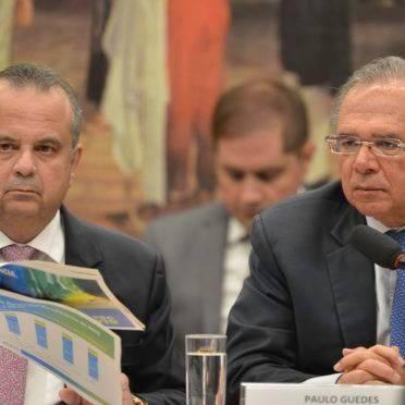 O secretário de Previdência e Trabalho, Rogério Marinho, e o ministro da Economia, Paulo Guedes. Foto: Fabio Rodrigues Pozzebom/Agência Brasil