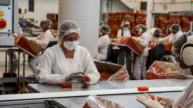 Fábrica de produção de sabonetes da Natura Ekos, em Belém.