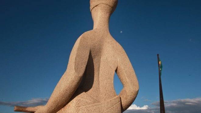 Estátua da deusa da justiça em frente ao prédio do STF, em Brasília. Foto: Felipe Sampaio/STF