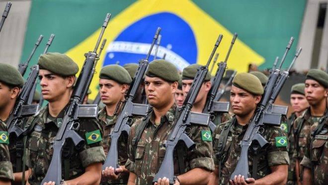 Soldados brasileiros participam de cerimônia de formatura em 28 de março de 2018   Foto: Nelson ALMEIDA / AFP