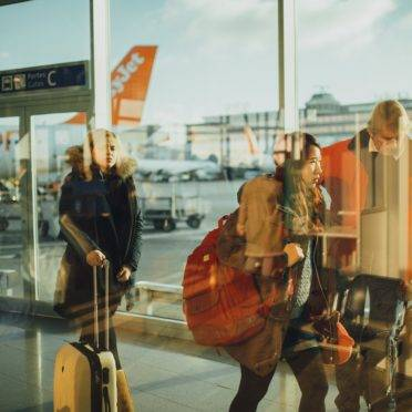 Atualmente, em voos nacionais, o passageiro tem direito de transportar, como bagagem de mão, uma mala de dez quilos, com limites de 55 centímetros de altura e 40 cm de comprimento (Imagem: Pixabay)