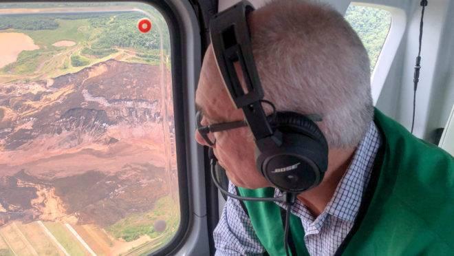 Fábio Schvartsman, presidente afastado da Vale, visita local da tragédia em fevereiro