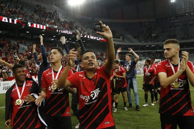 Jaderson, Lucas Halter, Bruno Rodrigues e Poveda. | /Jonathan Campos/Gazeta do Povo
