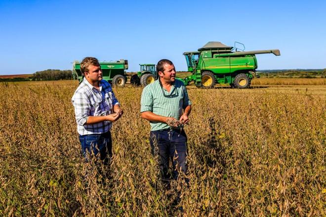 Axel Fabris e Martin Sellanes falam à Expedição Safra da Gazeta do Povo sobre a temporada de grãos 2018/19 no Uruguai | Michel Willian