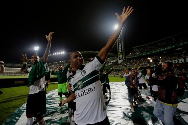 Rodrigão anotou dois gols na vitória sobre a Ponte Preta na estreia da SérieB 20'9 | Jonathan Campos/Gazeta do Povo