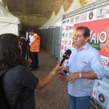 Paulo Pereira da Silva, o Paulinho da Força, dá entrevista durante evento do Dia do Trabalho
