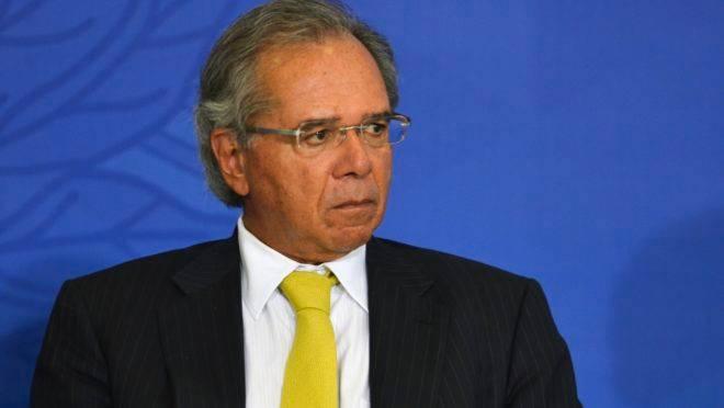 Paulo Guedes durante evento em que o presidente Jair Bolsonaro sancionou a Lei Complementar 420, que cria a Empresa Simples de Crédito (ESC), em cerimônia no Palácio do Planalto.