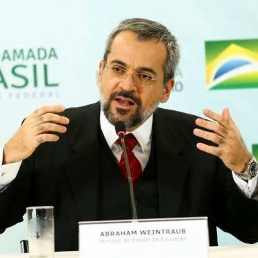 O ministro da Educação, Abraham Weintraub, durante entrevista coletiva.
