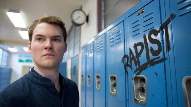 Cena do seriado '13 Reasons Why', da Netflix: relação com aumento do número de suicídios (Foto: Beth Dubber/Netflix)