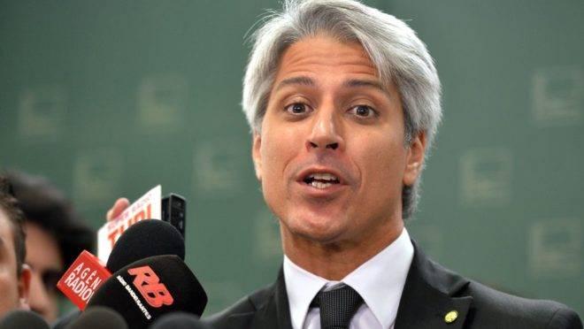 O deputado, Alessandro Molon: contra a reforma, a favor dos próprios privilégios