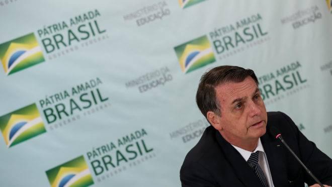 Jair Bolsonaro precisa negociar com o Congresso logo, sob risco de paralisar o próprio governo no segundo semestre. (Foto: Marcos Corrêa/PR)