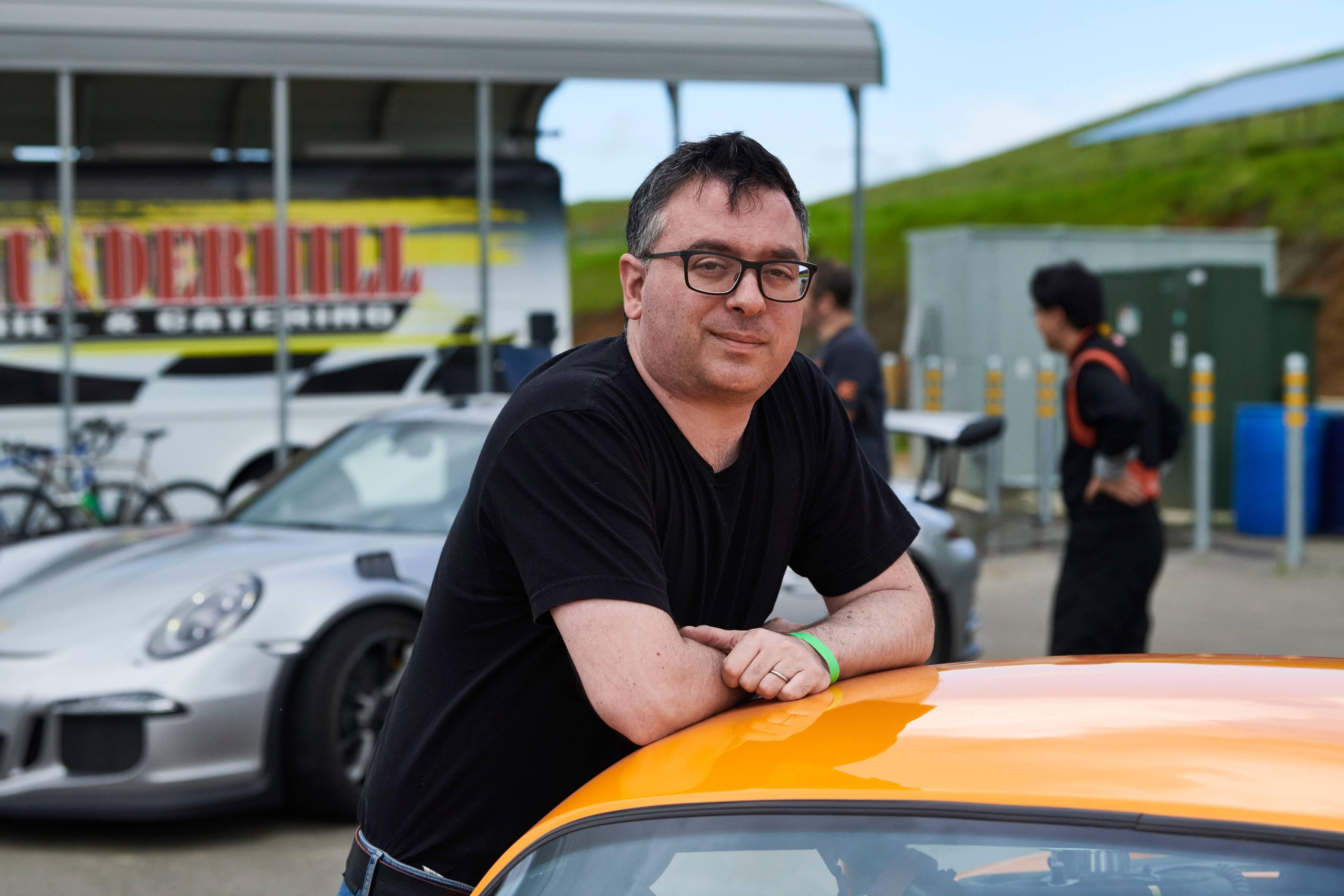 <br /><br />Joshua Schachter, empreendedor do Vale do Silício, piloto de carros amadores e organizador da Self Racing Cars.