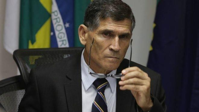 O ministro da Secretaria de Governo, Carlos Alberto dos Santos Cruz.