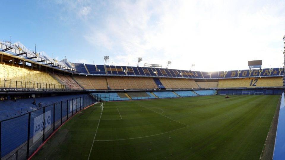 Castigado por temporal, gramado da Bombonera preocupa para Boca x Athletico