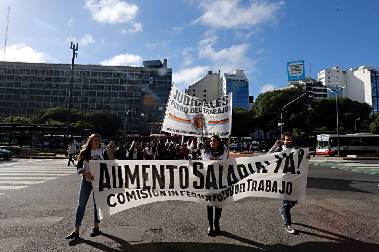 Manifestações ocorrem nas principais ruas de Buenos Aires. País polarizado antes de eleição. Foto: Albari Rosa/Gazeta do Povo