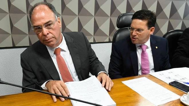 O senador Fernando Bezerra Coelho (MDB-PE) e o deputado João Roma (PRB-BA). Foto: Marcos Oliveira/Agência Senado