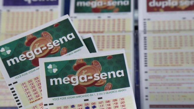 Mega-Sena acumula pela 14ª vez e prêmio salta para R$ 275 milhões; veja resultado