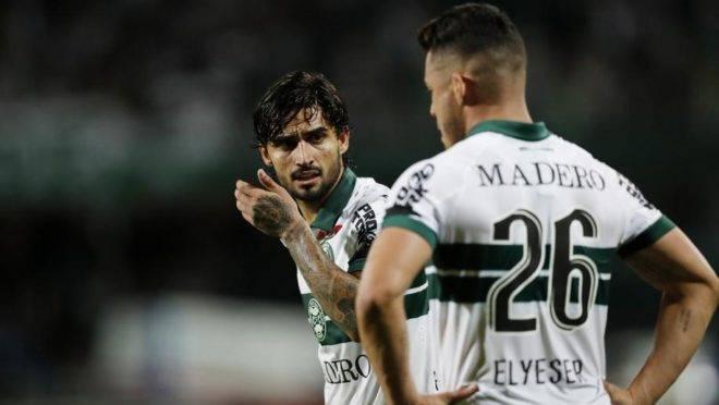 Marca Madero já estampo a camisa do Coritiba na estreia da Série B