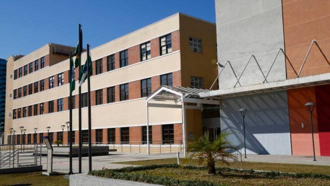 Inauguração do novo prédio da Universidade Federal do Paraná, sede Rebouças, em Curitiba.