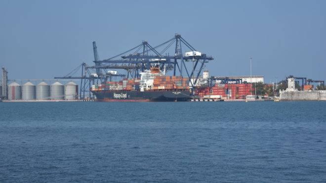 Navio no porto de Veracruz, no México. Brasil liberou o comércio automotivo com o país centro-americano e agora espera reciprocidade no agronegócio.