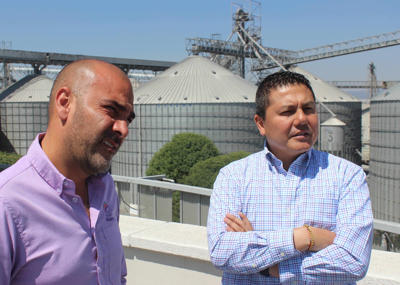 Edmundo Córtez, diretor comercial, e Esteban Jaramillo, diretor-geral, da Gramosa: empresa mexicana que quebrou o tabu de comprar milho do Brasil.