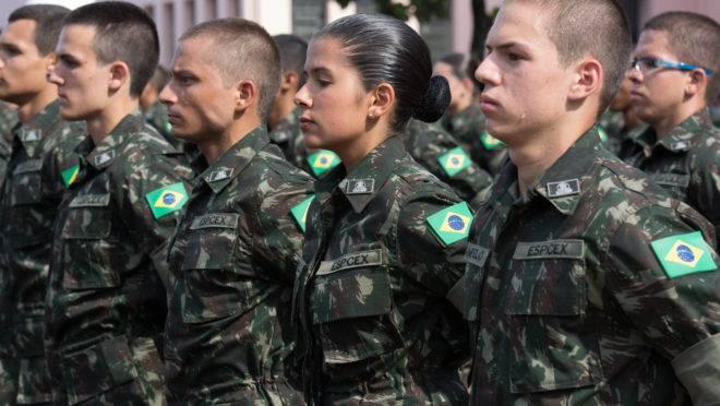 Militares mães tem destaque nas fileiras do Exército