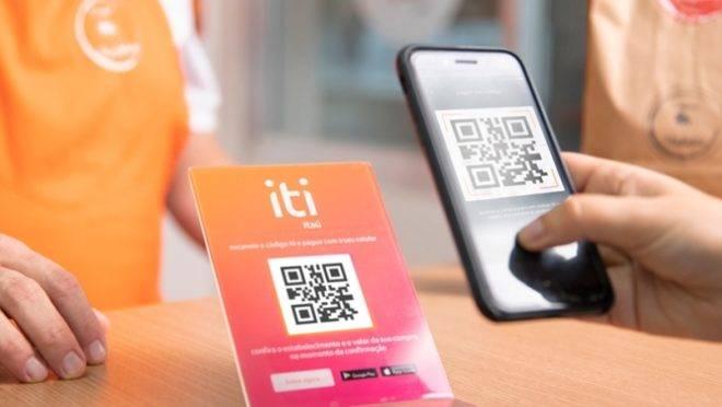 Na foto, a simulação de como funcionará o pagamento por QR-Code da iti.
