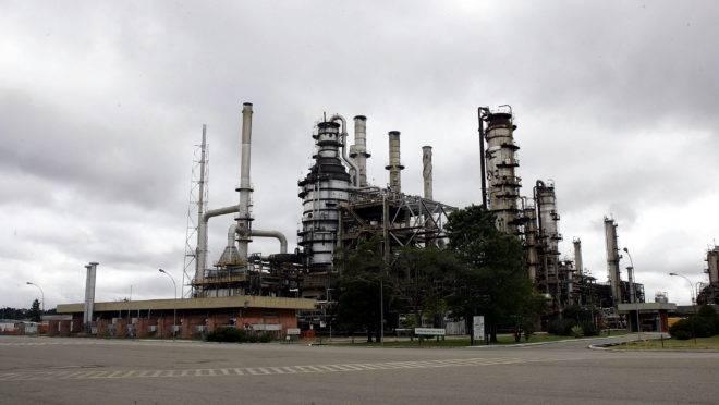 Repar, em Araucária, está no pacote de privatizações aprovado pela Petrobras.