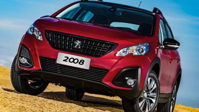Peugeot 2008 adota visual dos SUVs maiores e corrige mancada do câmbio