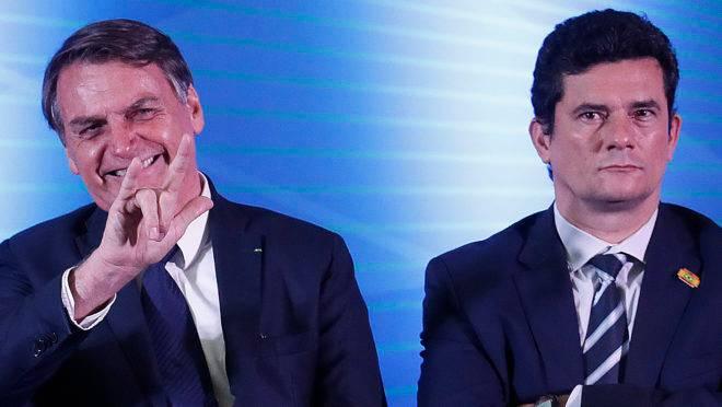 O presidente Jair Bolsonaro e o ministro da Justiça, Sérgio Moro, em evento público em Curitiba. Foto: Jonathan Campos/Gazeta do Povo