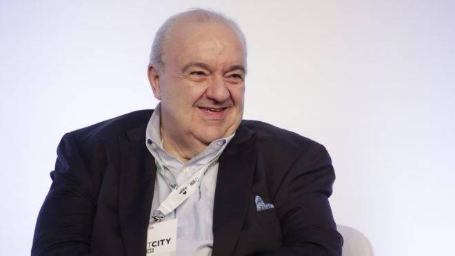 O prefeito Rafael Greca.