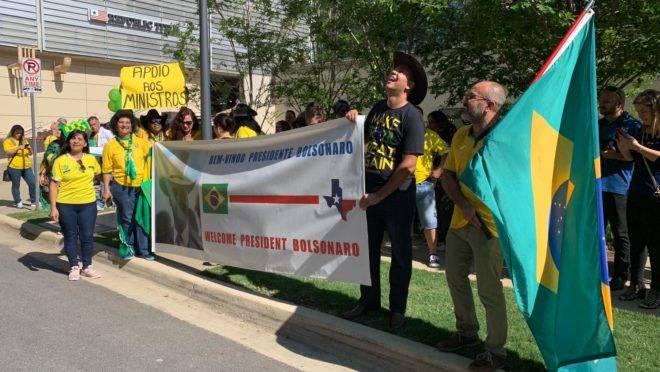 bolsonaro manifestantes Dallas