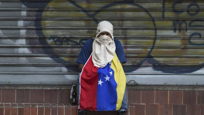 Crise na Venezuela leva milhares às ruas em protestos pela saída do ditador Nicolás Maduro