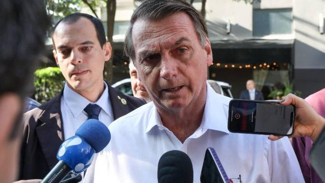 Presidente Jair Bolsonaro cumprimenta dá entrevista em Dallas. Foto: Marcos Corrêa/PR