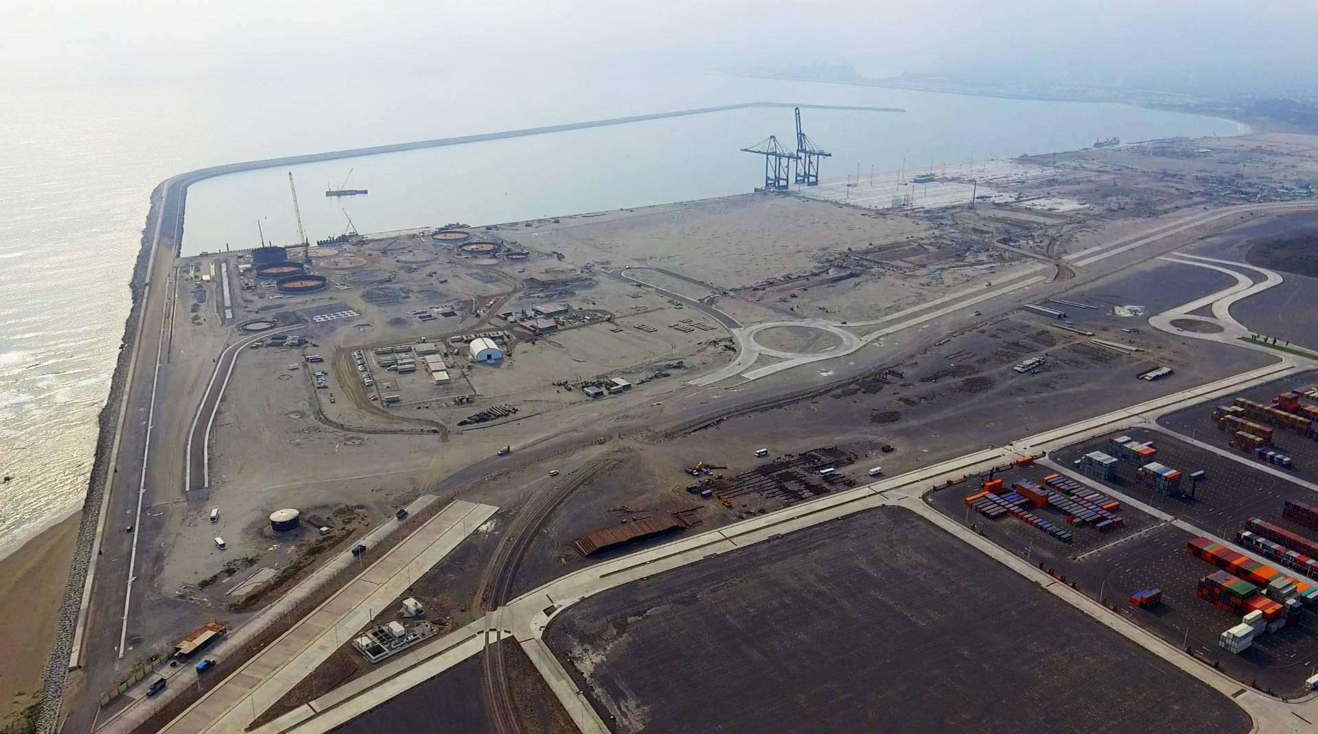 Vista aérea das obras de ampliação do Puerto de Veracruz, no México.