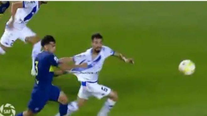 Athletico cutuca Boca após novo erro de arbitragem: 'Te entendo, Vélez'