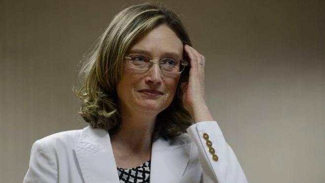 Maria do Rosário simulou 'falso empurrão' após audiência com ministro