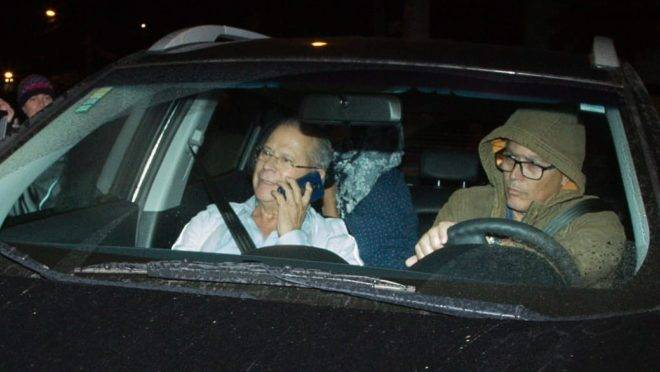José Dirceu se entrega à PF em Curitiba
